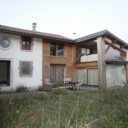 Visite d'une maison en pisé rénovée en matériaux bio-sourcés le 6 décembre à Commelle